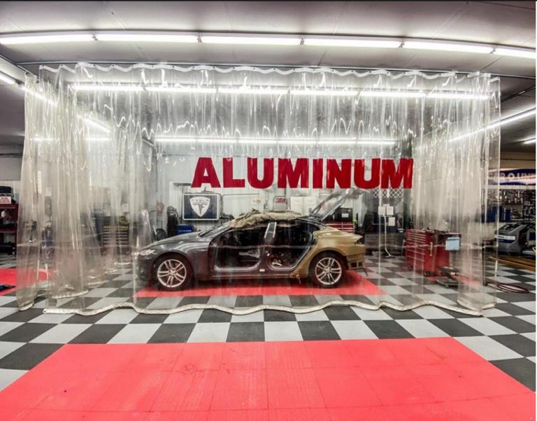 Aluminum Auto Body Clean Room
